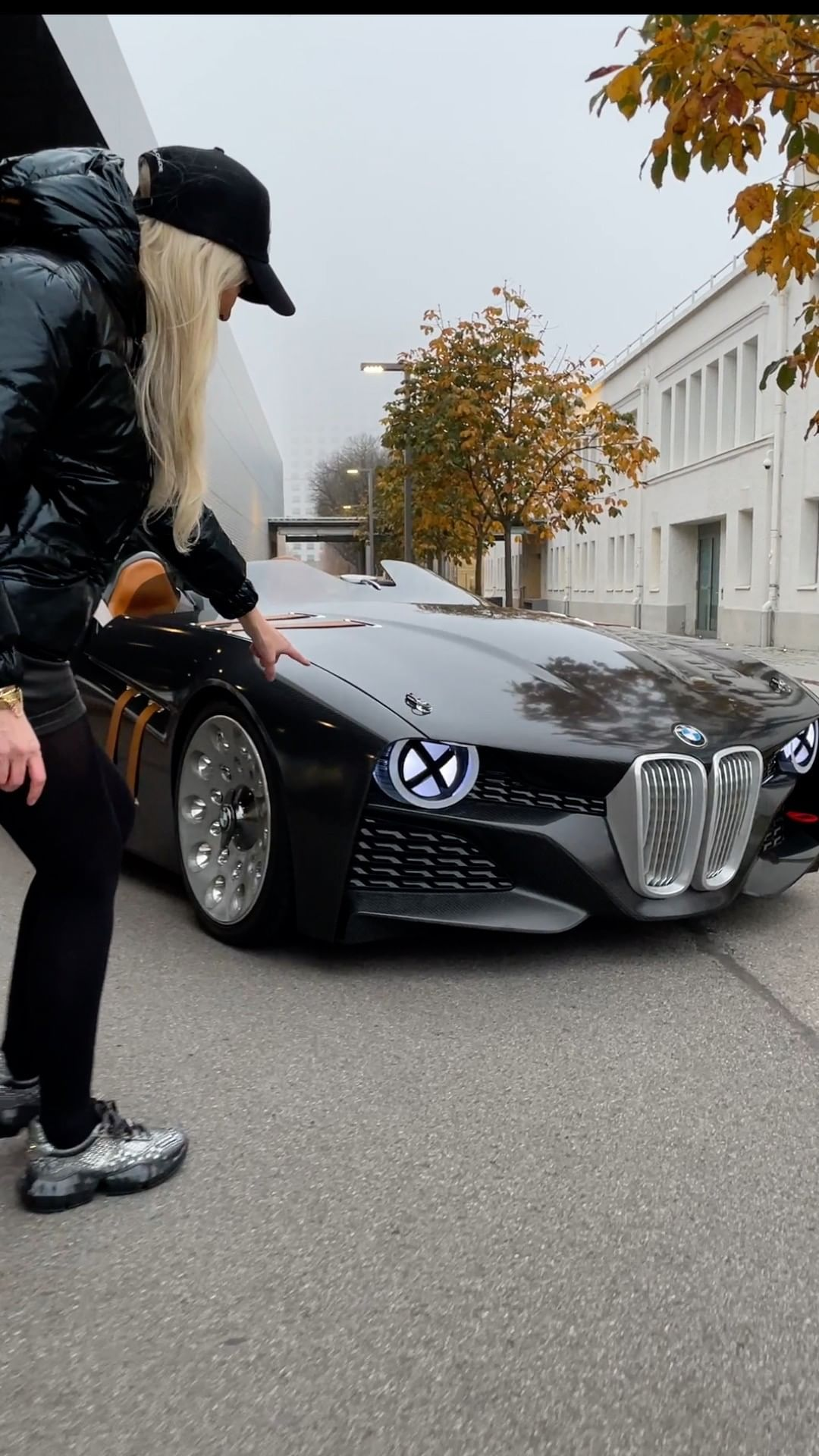 This is the 328 Hommage, one of the most beatiful and most insane soun – Alexandra Mary – supercar blondie 📰