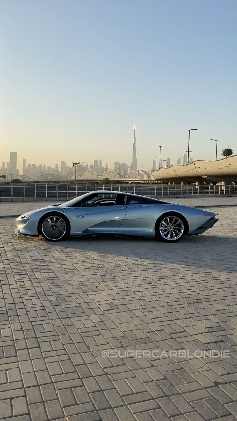 The paint has real diamonds  in it and the exhaust is surrounded by 24 – Alexandra Mary – supercar blondie 📰